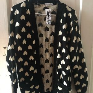 Sweaters - NWT heart print cardigan sweater sz M
